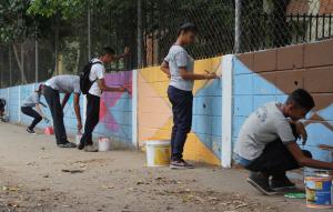 Venezolana de Pinturas deja huellas de color en escuelas de Maracay