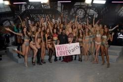 musical-talent-models-group-shot-backstage-2016-vs-fashion-show