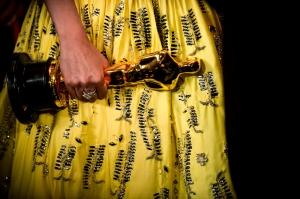 spa-89aa_gal_oscar_yellow-dress