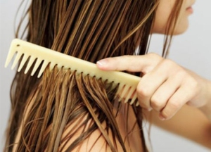 brushing_hair_when_wet